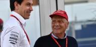 """Wolff: """"Ni los médicos saben cuando podrá volver Lauda"""" - SoyMotor.com"""