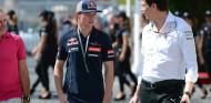 """Mercedes: """"Sabíamos que Verstappen estaba bien, si no no hubiésemos celebrado nada"""" - SoyMotor.com"""