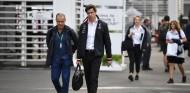 Wolff negoció el futuro de Mercedes en F1 durante el GP de Brasil - SoyMotor.com