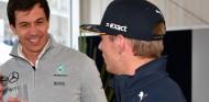 Wolff aleja los rumores de llegada de Verstappen a Mercedes - SoyMotor.com