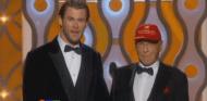 Niki Lauda y Chris Hemsworth en los Globos de Oro 2014