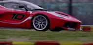 Sebastian Vettel pilota el Ferrari FXX K en Fiorano