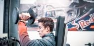 Márquez se pasa al karting para acelerar su recuperación - SoyMotor.com