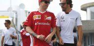 Kimi Räikkönen y Fernando Alonso en una imagen de archivo - SoyMotor
