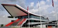 El nuevo asfalto hace a Silverstone casi un segundo más rápido – SoyMotor.com