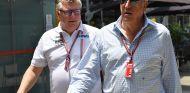 Otmar Szafnauer y Lawrence Stroll en Interlagos - SoyMotor.com