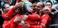 Dos Ferrari en contra de Vettel