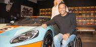 Jason Watt con el  Ford GT - SoyMotor.com