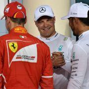 Bottas recibe la felicitación de Hamilton - SoyMotor
