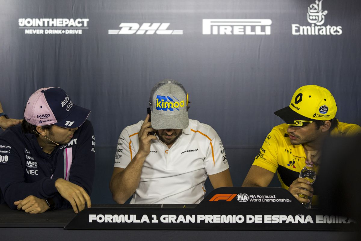 Sergio Pérez, Fernando Alonso y Carlos Sainz - SoyMotor.com
