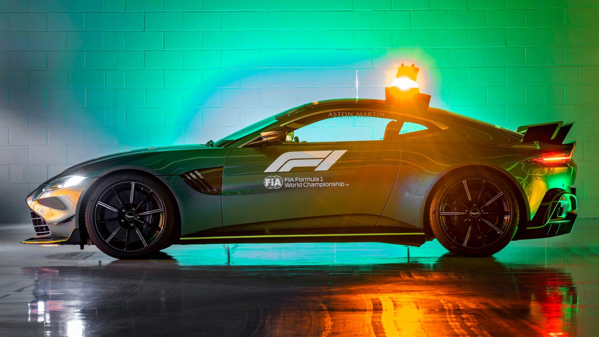aston-martin-vantage-safety-car-2-soymotor.jpg