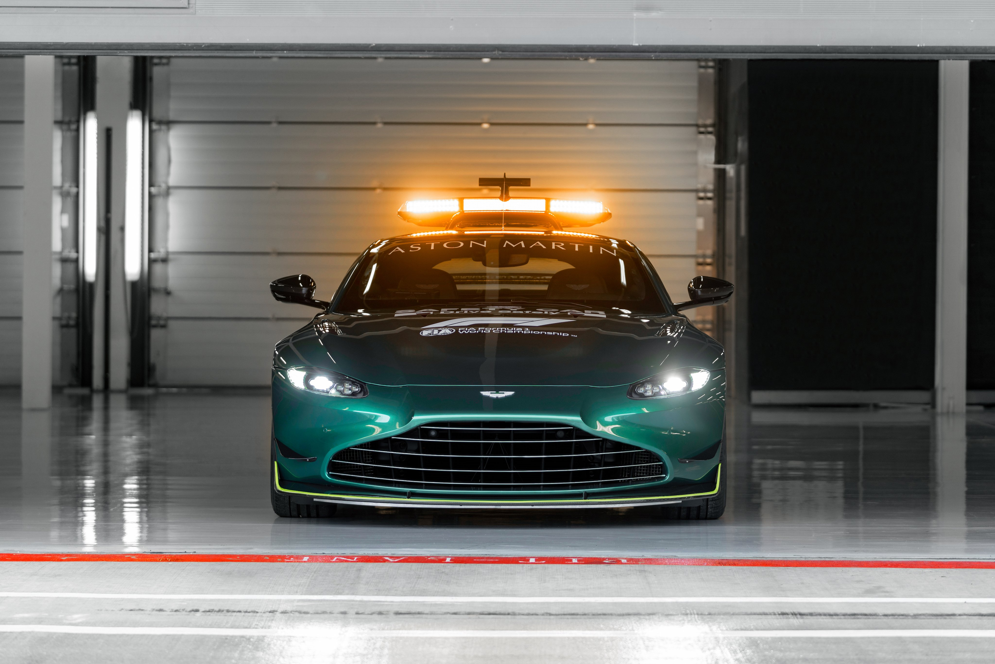 aston-martin-vantage-safety-car-soymotor.jpg