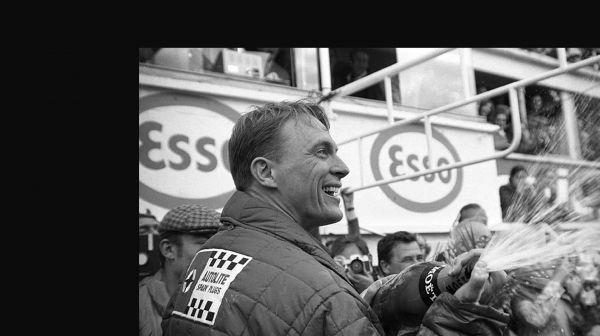 dan-gurney-aj-foyt-le-mans-victory-spraying-champagne-1967_0.jpg
