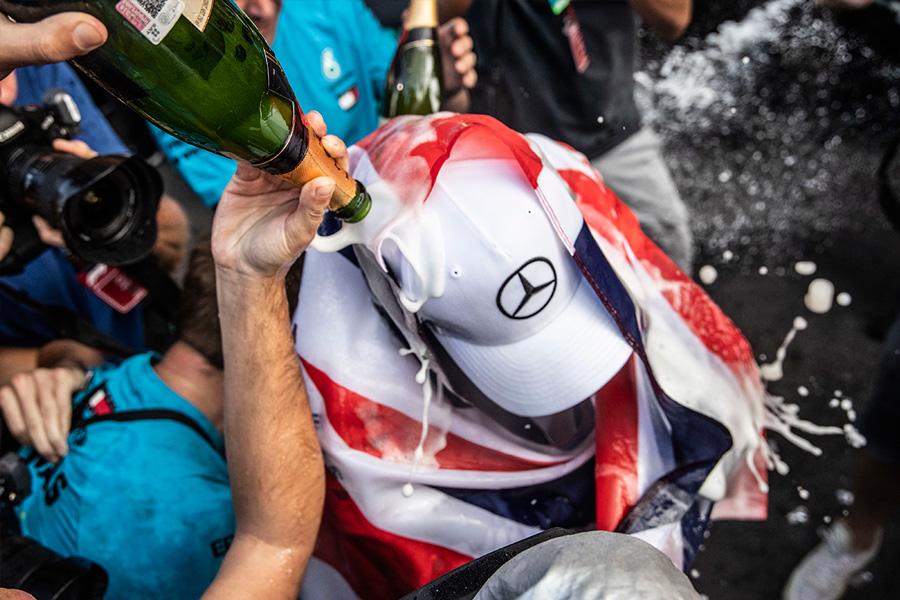 hamilton-celebracion-mexico-soymotor.jpg