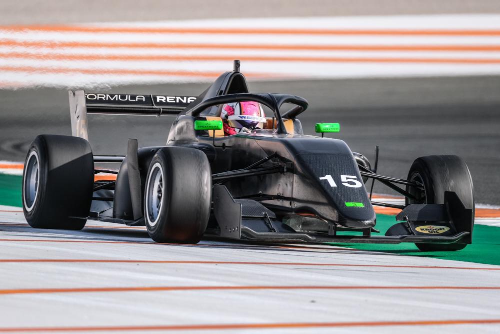 marta-garcia-formula-renault-soymotor.jpg