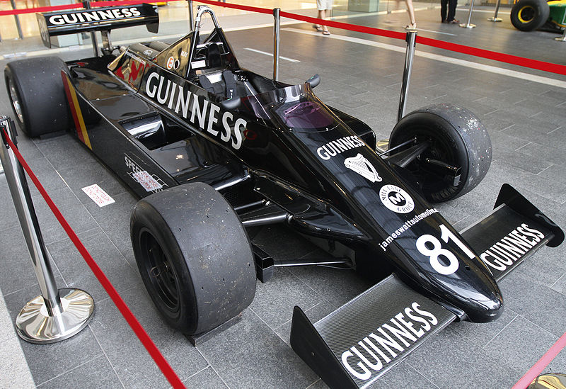 patrocinio-guiness-march-811-1981-soymotor.jpg