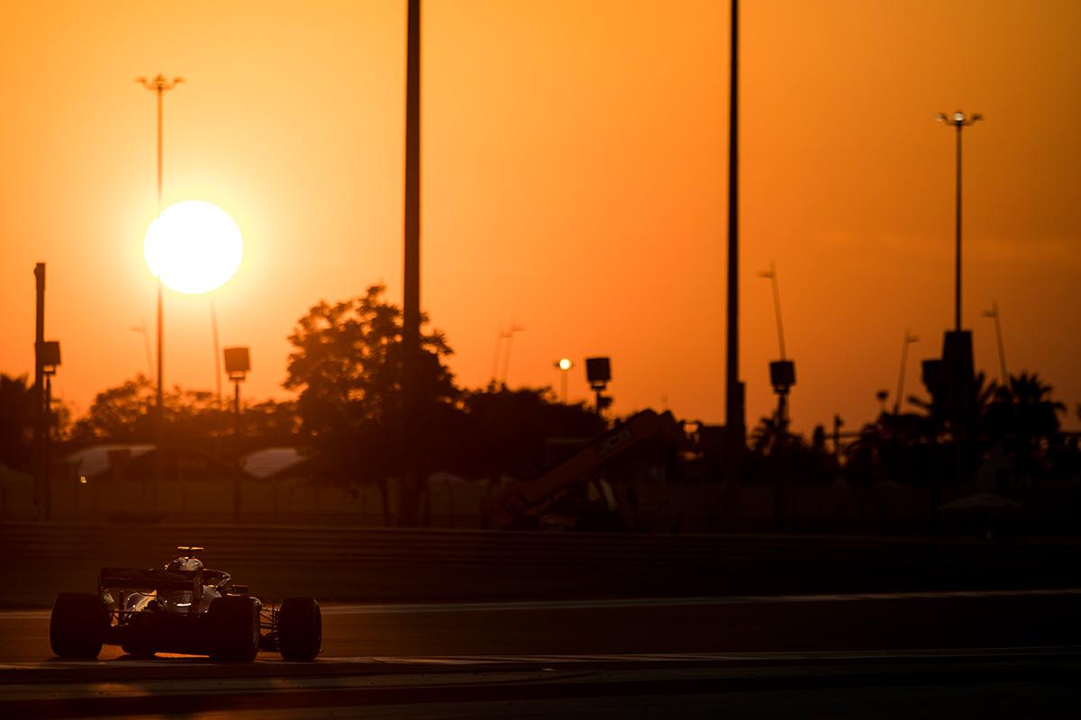 puesta-sol-abu-dabi-soymotor.jpg