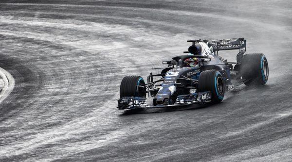 Red Bull presenta el RB14, su coche para la temporada 2018