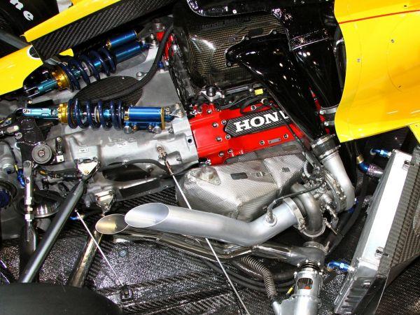 sema-2014-hondas-hpd-showcases-karting-indycar-engines3_0.jpg