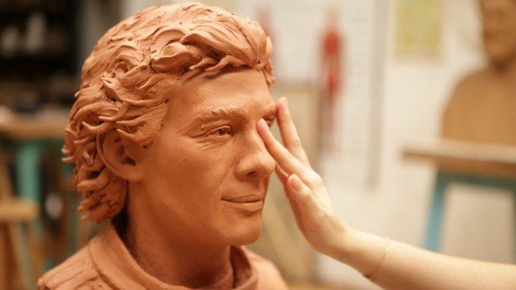 senna-escultura-soymotor.jpeg