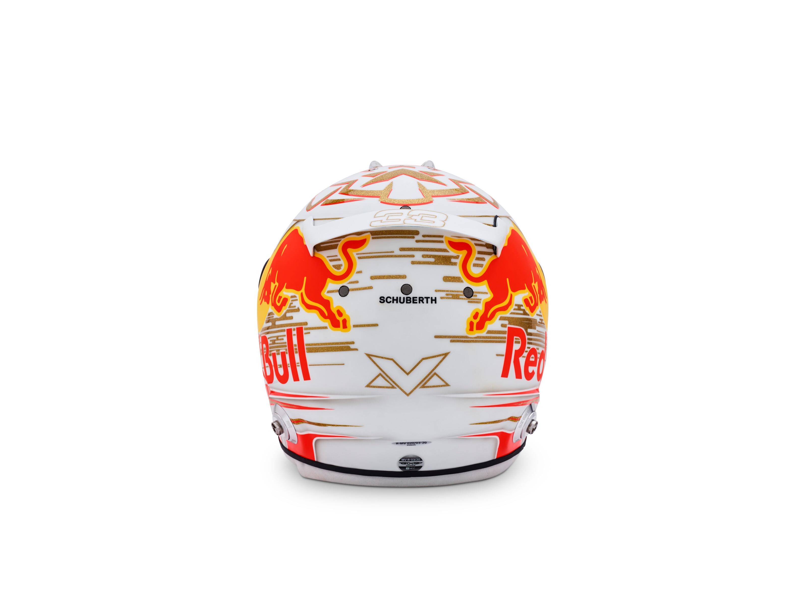 verstappen-casco-2020-3-soymotor.jpg
