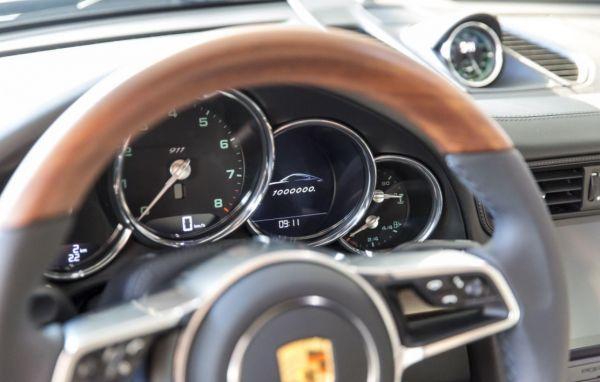 volante-porsche-soymotor_0.jpg