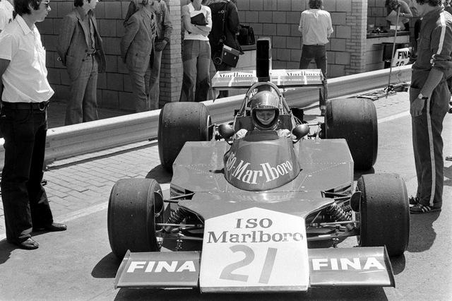 van_lennep_at_1974_dutch_grand_prix_iso_marlboro_fw_2.jpg