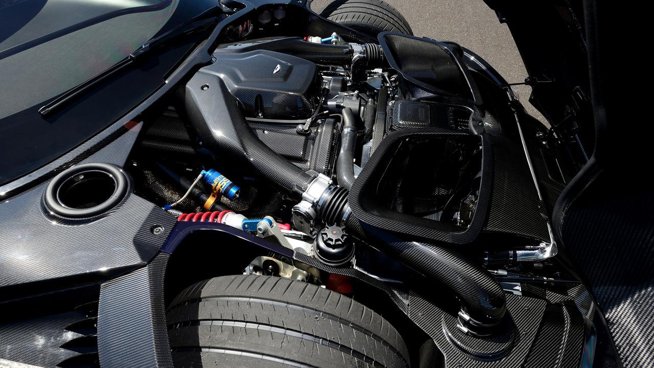 aston-martin-vulcan-engine.jpg
