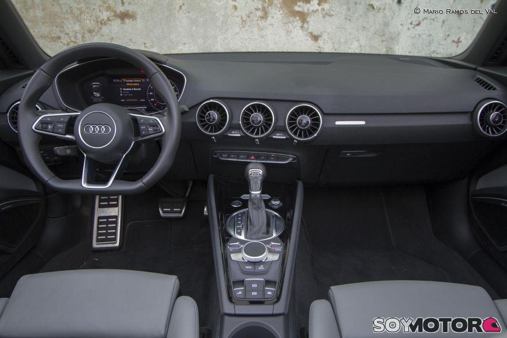 audi-tt-roadster-20-tfsi-quatttro-interior.jpg