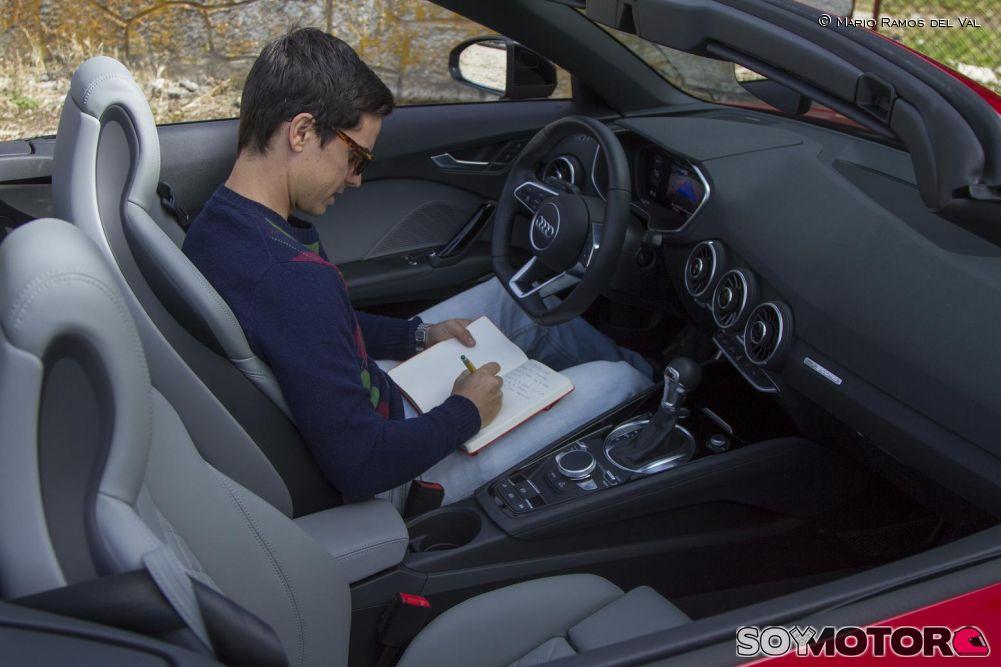 audi-tt-roadster-20-tfsi-quatttro-prueba-soymotor-interior-2.jpg