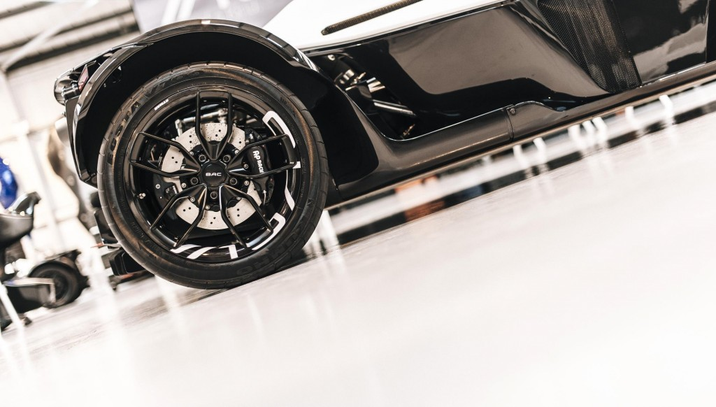 bac-carbon-fiber-wheel.jpg