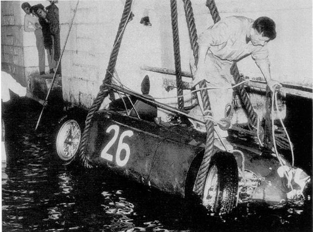 Accidente de Alberto Ascari en el GP de Mónaco F1 1955