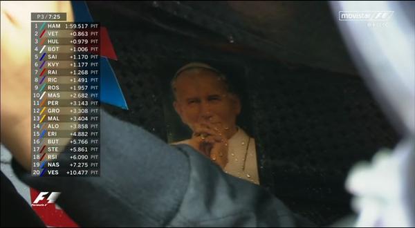El Papa en el cockpit de Sergio Pérez