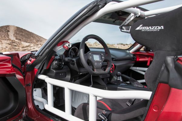 2016-mazda-global-mx-5-cup-racing-car-interior-view_0.jpg