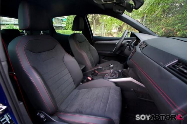 seat-arona-interior-soymotor-08_0.jpg