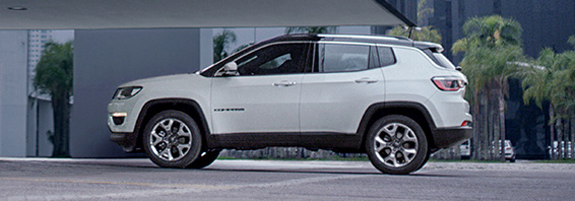 160927_jeep_compass_02_slider.jpg