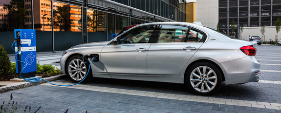 bmw-330e-iperformance_0.jpg