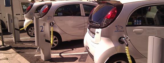 coche-electrico-carga.jpg