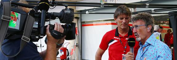 f1-bahrain-gp-2015-eddie-jordan-bbc-television-pundit-with-graeme-lowdon-manor-f1-team-chi.jpg