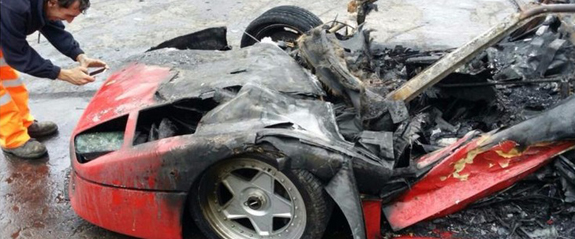 ferrari-f40-wrecked-by-fire.jpg