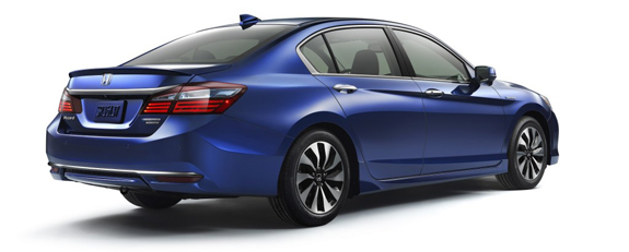 honda-accord-hybrid_100552602_l.jpg