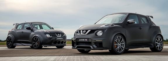 A la izquierda el Nissan Juke-R y a la derecha el Juke-R 2.0.
