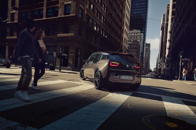 p90323013_lowres_the-new-bmw-i3-120-a.jpg