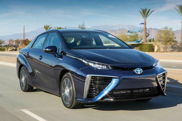 2016_toyota_fuel_cell_vehicle_0411.jpg