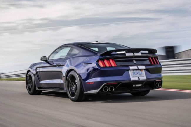 ford-mustang-shelby-gt350_3.jpg