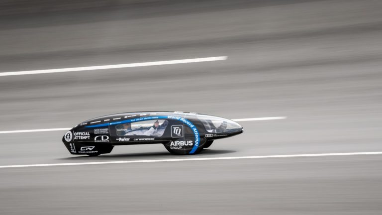 tufast-eli14-guinness-world-record-electric-car-5.jpg