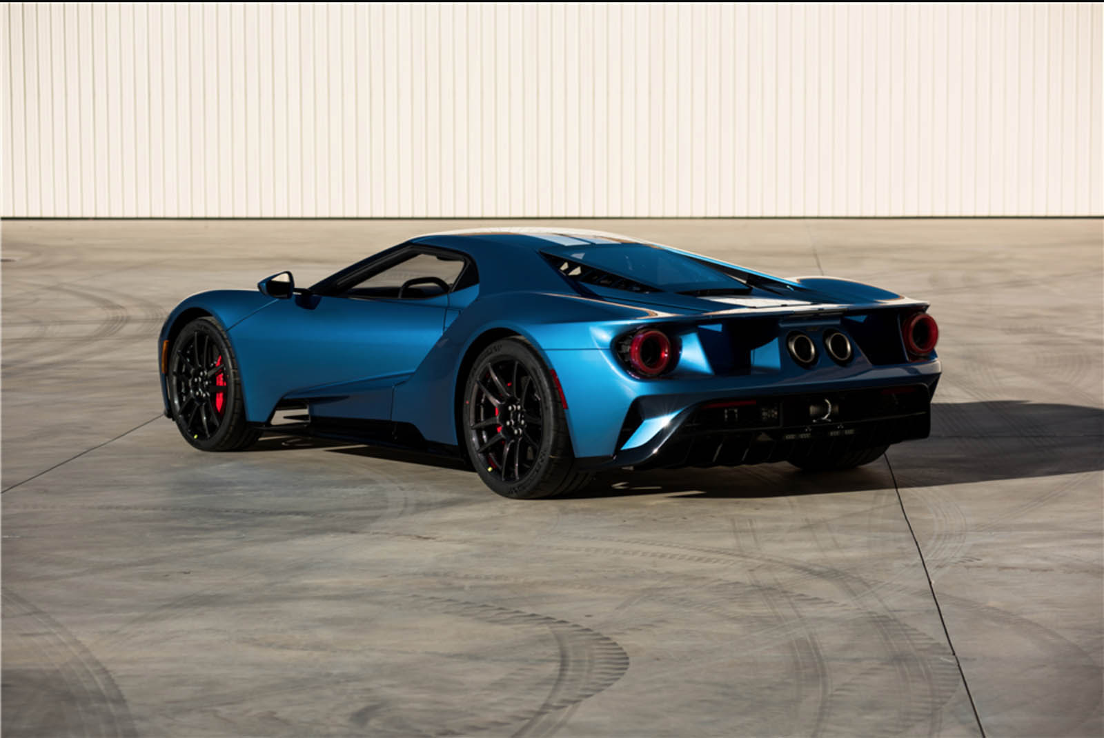 2017-ford-gt-charity-auction-03.jpg