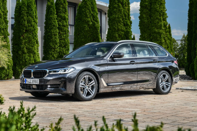 bmw_530e_xdrive_touring.jpg