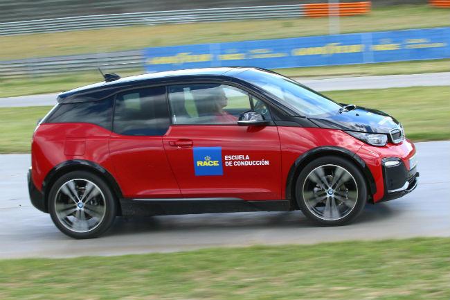 escuela_de_conduccion_coches_electricos_2.jpg