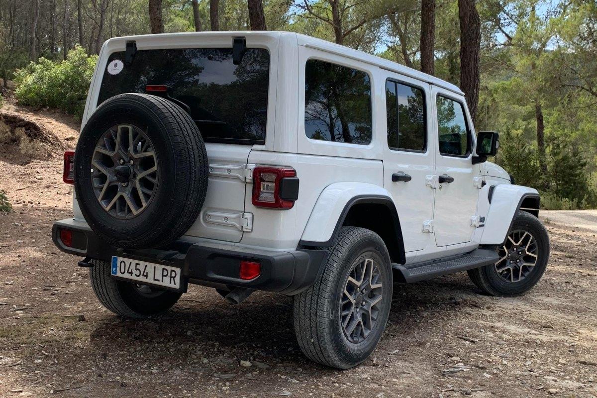 jeep_wrangler_4xe_3.jpg